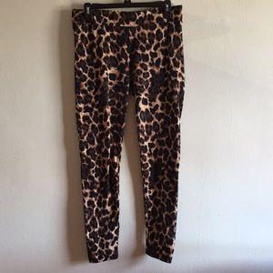 Thalia Sodi leopard leggings